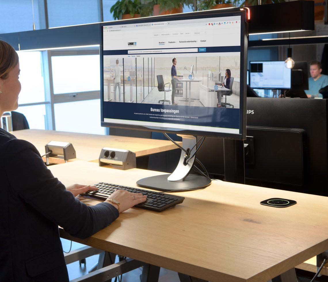 GoBright Desk Management - Desk Booking - Work